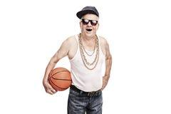 Rozochocony senior w hip hop odzieżowym mieniu koszykówka Obraz Royalty Free
