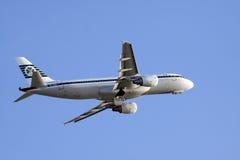 Rozochocony wakacyjny lot w mój Airbus Obrazy Royalty Free