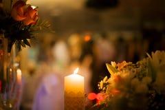 Rozogniający płomień świeczka Fotografia Royalty Free