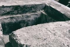 Rozpieczętowana manhole pokrywa Fotografia Royalty Free