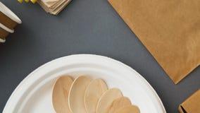 Rozporz?dzalni naczynia papier i drewno zdjęcie wideo