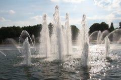Rozpylać wodną fontannę Zdjęcie Royalty Free