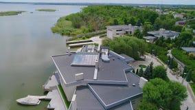 Rozrywka kompleks na jeziorze, drogi hotel na nabrze?u zdjęcie wideo