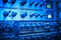Rozsądny kontrolny wyposażenie Deskowy szczegół Gnicie guziki transmisja zdjęcie royalty free