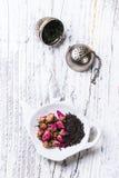 Rozsypisko herbaciane róże Zdjęcie Stock