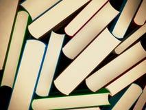 Rozsypisko stare książki w ciężkiej pokrywie Obrazy Royalty Free