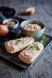 Rozszerzanie się robić indyczy mięso, cebula, ser i musztarda, zdjęcie stock