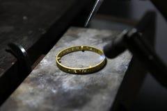 Roztapiająca złocista biżuteria gazem Obrazy Stock