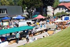 Roztoky, Tsjechische Republiek, 11 Juli, Mensen op de markt Stock Foto's
