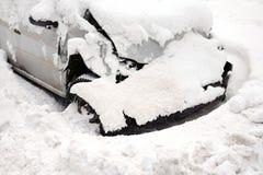 Roztrzaskujący samochód W zimie zdjęcie stock