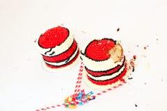 Roztrzaskujący w górę urodzinowych tortów Fotografia Royalty Free
