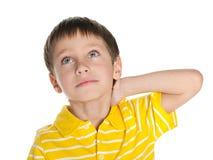 Rozważna chłopiec patrzeje up obrazy stock