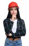 Rozważna dziewczyna w budowa hełmie zdjęcia royalty free