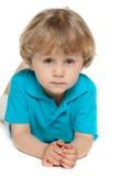 Rozważna preschool chłopiec na białym tle obraz royalty free