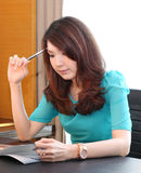 Rozważna biznesowa kobieta Zdjęcia Stock