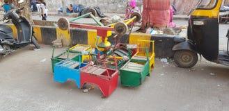 Rozwijać slamsy teren w Mumbai ind obraz stock