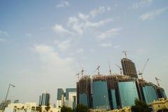 Rozwija linia horyzontu w Doha Katarskich pokazuje nowych postępach obraz royalty free