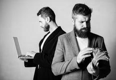 Rozwija zastosowania Technologia Cyfrowa IT biznes Online biznes Zarabia pieni?dze online biznes Znaj? dlaczego zdjęcie royalty free