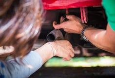 Réparation de bricolage de voiture Photos stock