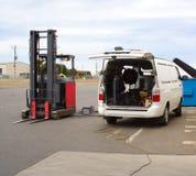 Réparation de chariot élévateur Photographie stock libre de droits