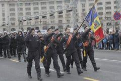 Répétition pour le défilé roumain de jour national Photo stock