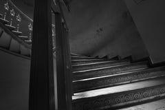 Röra sig i spiral trappa Arkivfoton