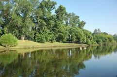 rriverbank krajobrazu Zdjęcia Royalty Free