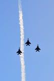 RSAF在NDP期间的F-16空中分列式2012年 免版税库存照片