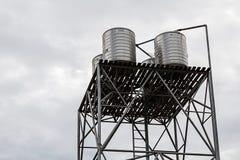 Réservoir d'acier inoxydable pour l'eau du robinet Images libres de droits