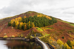 Réservoir et barrage de Clywedog Photos stock