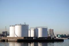 Réservoirs de stockage dans le port d'Aberdeen Photos libres de droits