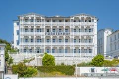 Rstenhof del ¼ dell'hotel FÃ in Sassnitz sull'isola della GEN del ¼ di RÃ al Bal fotografie stock