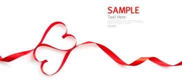 Rött isolerat hjärtaband Arkivfoto