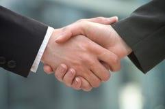 Rütteln-Hände Lizenzfreies Stockfoto