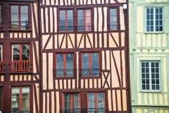 Ruán - exterior de casas half-timbered Imagenes de archivo