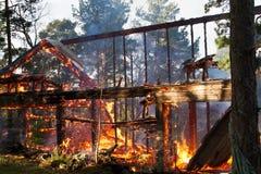 Ruína da casa após o fogo Fotos de Stock Royalty Free