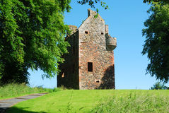 Ruína da torre de Greenknowe no verão Foto de Stock