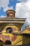 A ruína da torre, século XVIII Parque de Catherine Pushkin Tsarskoye Selo petersburg fotografia de stock