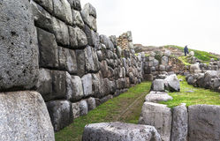 Ruína de Saksaywaman no Peru fotografia de stock royalty free