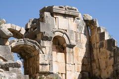 Ruína do amphitheatre antigo em Myra imagens de stock