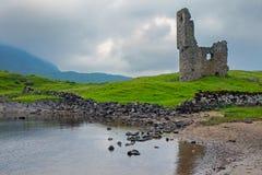 A ruína do castelo de Ardveck Fotos de Stock Royalty Free