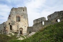 Ruína do castelo de Gymes fotos de stock royalty free