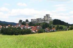 Ruína do castelo gótico Fotografia de Stock
