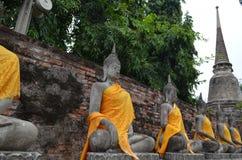 Ruína do templo antigo de buddha em Tailândia Fotos de Stock