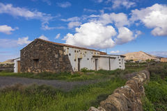 Ruína tradicional e parede na Espanha das ilhas de Oliva Fuerteventura Las Palmas Canary do La Fotografia de Stock Royalty Free