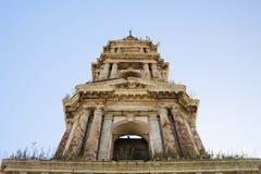 Ruínas abandonadas da igreja foto de stock