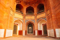 Ruínas antigas do túmulo de Humayun's em Deli, Índia imagens de stock