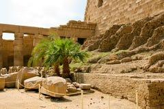 Ruínas antigas do templo de Karnak em Egipto Fotografia de Stock Royalty Free