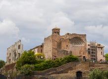 Ruínas antigas, Roman Forum Indicadores velhos bonitos em Roma (Italy) Imagem de Stock Royalty Free