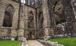 Ruínas da abadia de Tintern, uma antiga igreja em Gales Fotografia de Stock